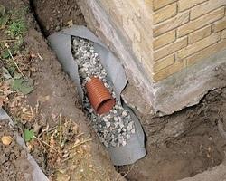 Как и чем утеплить трубы при прокладке в земле?