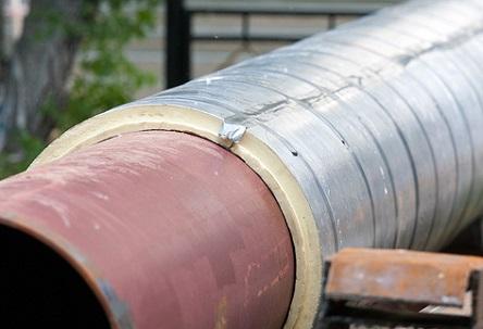 Минераловатная оцинкованная скорлупа на трубопроводе