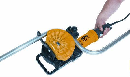 Применение ручного электрического трубогиба для обработки стальной трубы