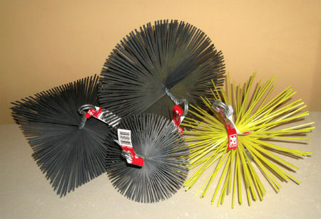 Разные виды ёршиков для прочистки труб
