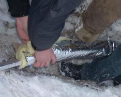 Утепление трубопровода фольгированной минеральной ватой
