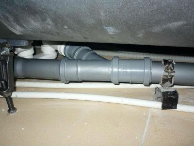 Вентиляция из канализационной ПВХ трубы на чердаке