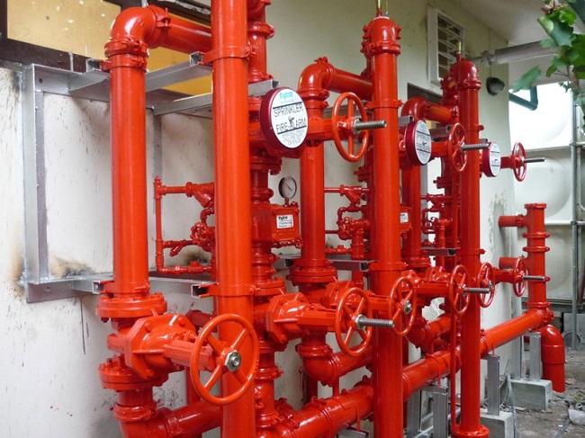 Стояки внутреннего противопожарного водопровода