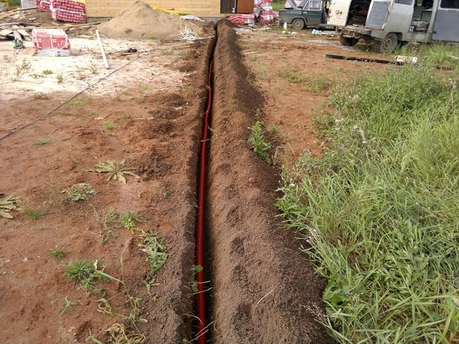 Подземная укладка кабеля в гофре