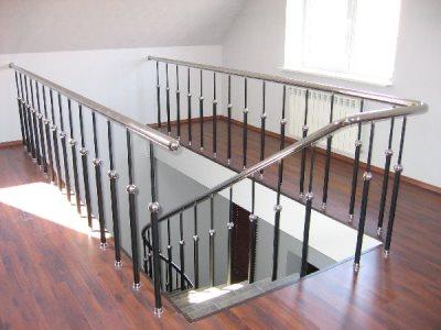 Перила для лестницы из хромированных труб