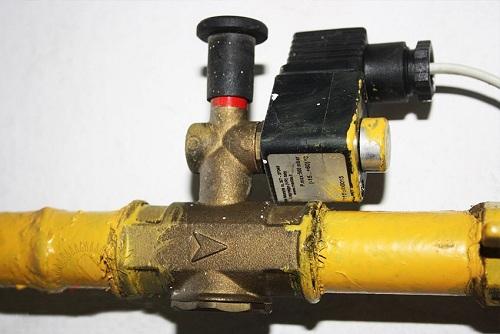 Электромагнитный клапан отсекатель на газовой трубе