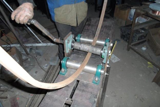 Процесс гибки профильной трубы