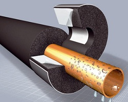 Против появления конденсата на трубах используют теплоизоляцию