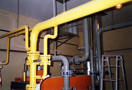 Разводка трубопроводов в котельной из стальных ВГП труб