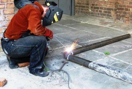 Процесс электросварки стальных труб