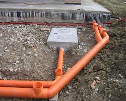 Закладка труб канализации