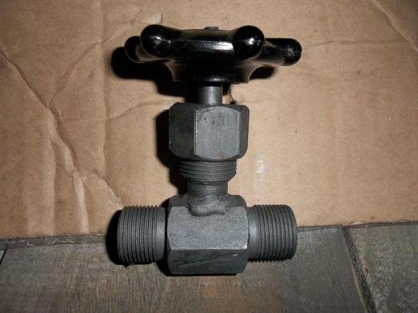 Игольчатый вентиль с резьбовым соединением