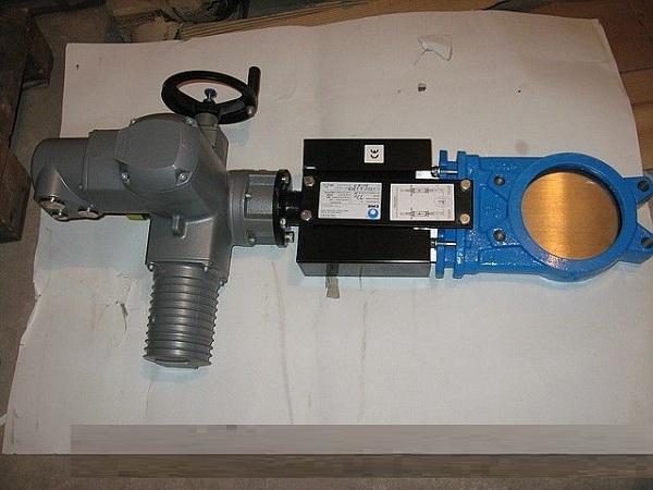 Задвижка шиберная ножевая с электроприводом типа открыть/закрыть