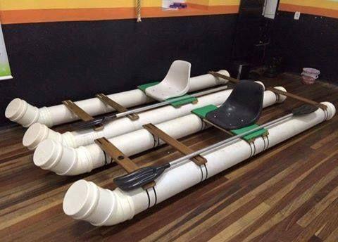 Основой для катамарана служат пластиковые трубы большого диаметра