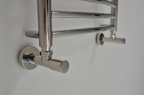 Угловой запорный вентиль для полотенцесушителя