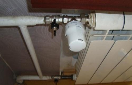 Использование шарового крана в системе отопления для отключения радиатора
